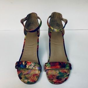 Kenneth Cole Reaction Floral Wedges